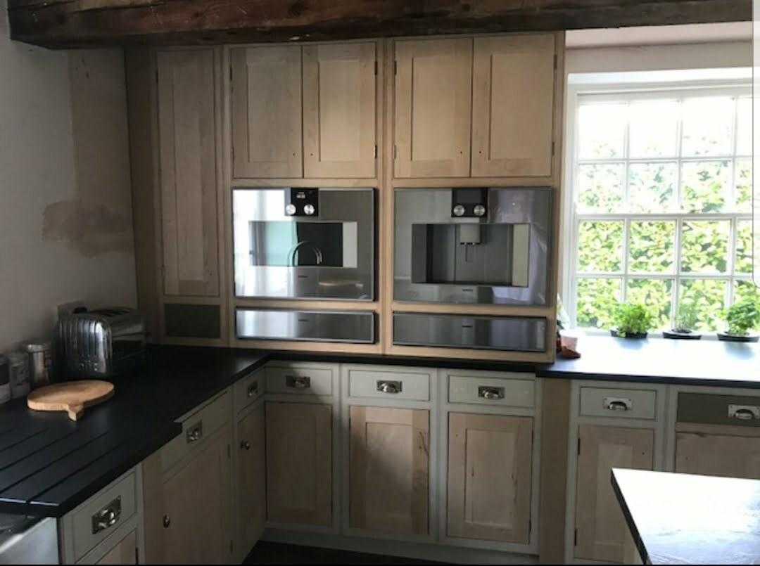 hand painted kitchen derbyshire, kitchen cabinet painting, dark blue kitchen, kitchen painter derbyshire