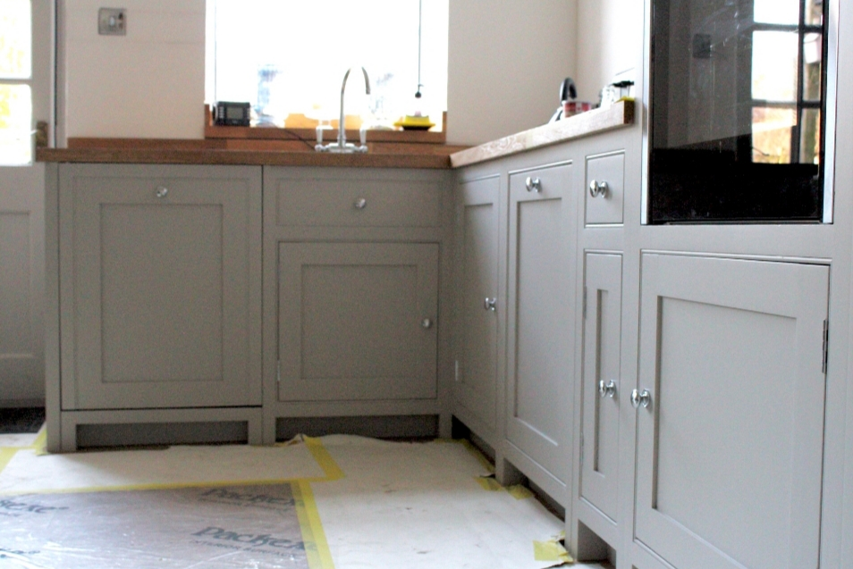 handmade kitchens direct, cabinet painter, Lancashire, specialist kitchen painter, North West