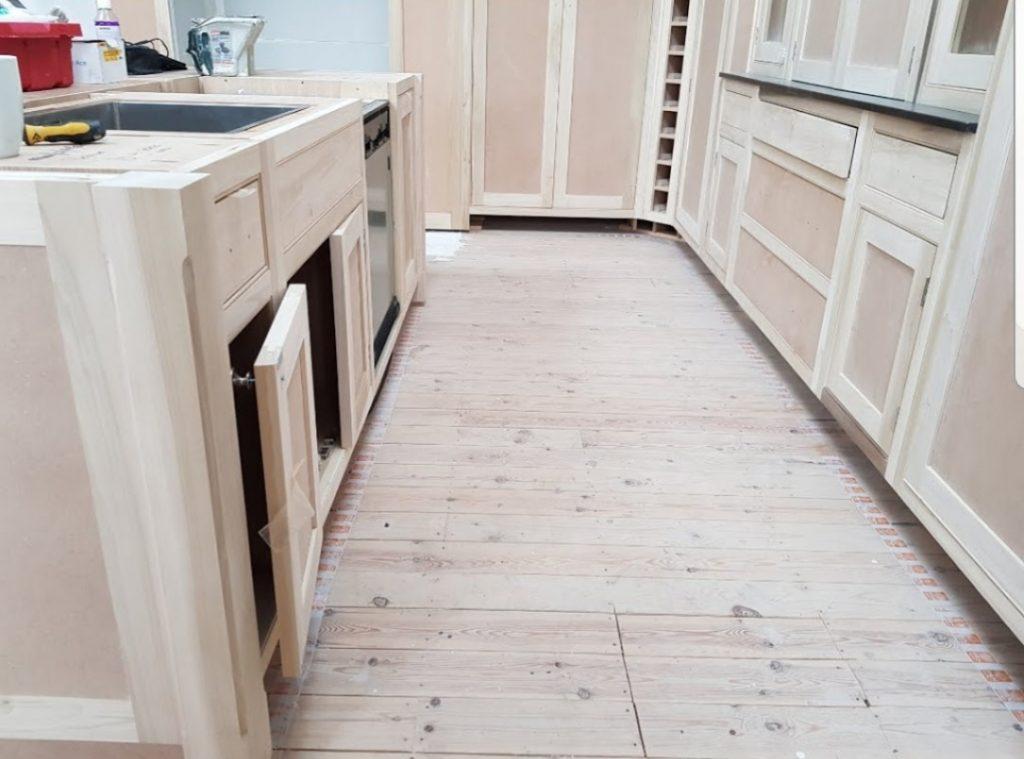 unpainted kitchen, hand painted kitchen yorkshire. west yorkshire kitchen, hand made kitchen direct, hague blue kitchen