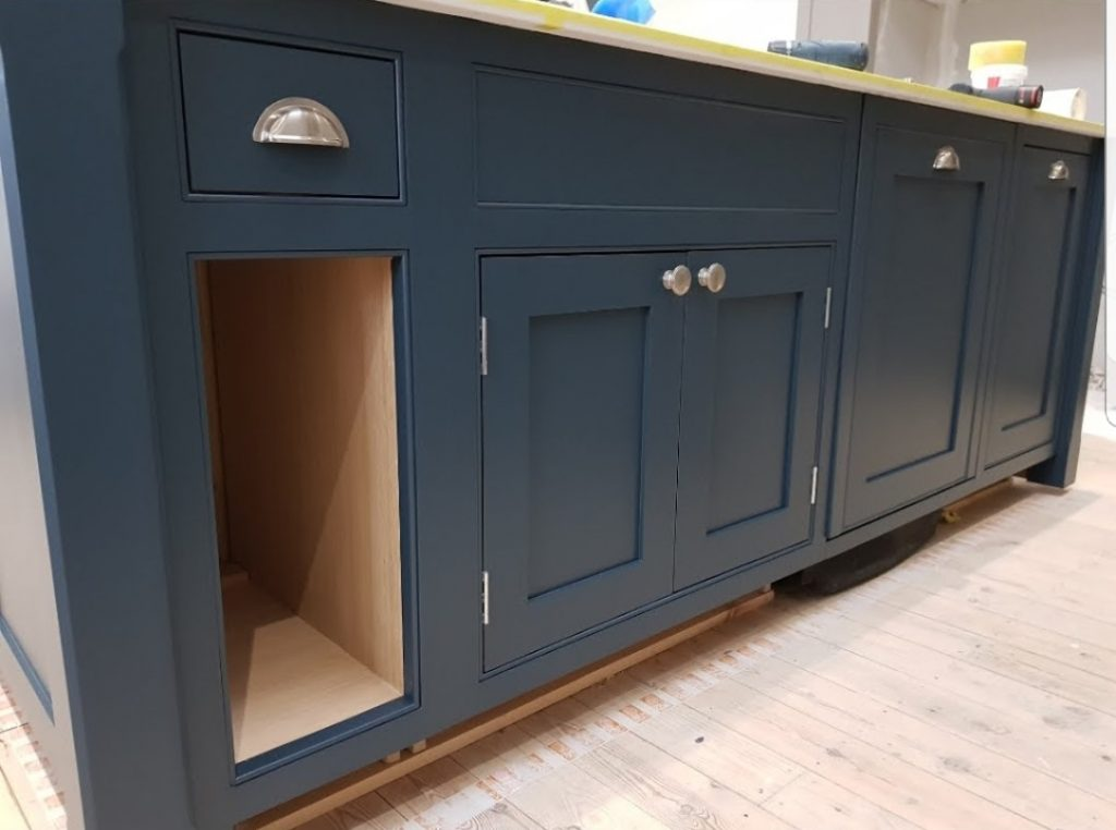 dark blue kitchen, mid grey kitchen, kitchen cabinet painter, hand painted, colours for kitchens