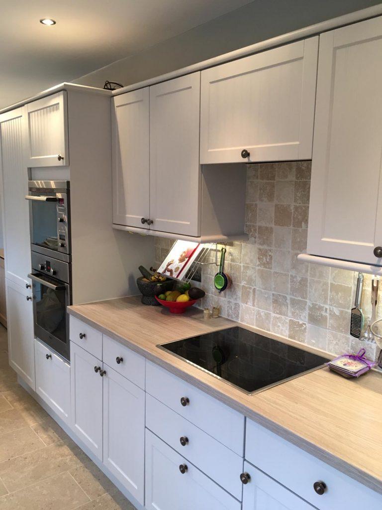 Kitchen painter Lincolnshire, cabinet painter Nottingham, Hand painted Kitchen Nottingham