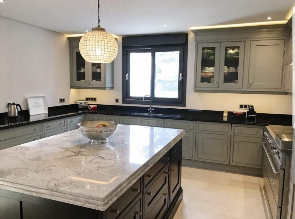 Clive christian marbella painted kitchen hand painted - Clive christian marbella ...