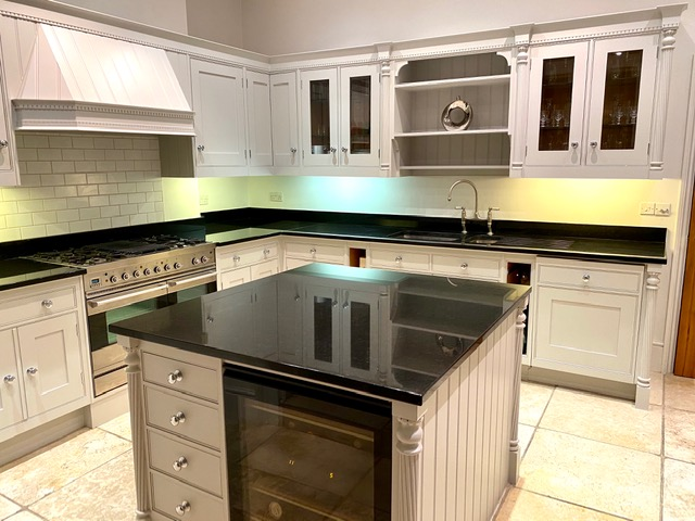 Kitchen cabinet painter Greater London
