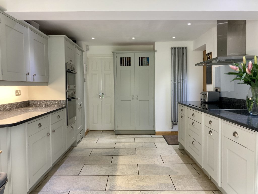 kitchen cabinet painter London