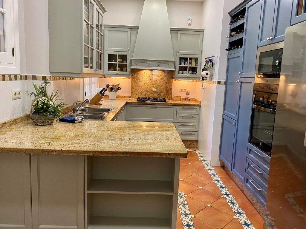 Kitchen makeover Malaga