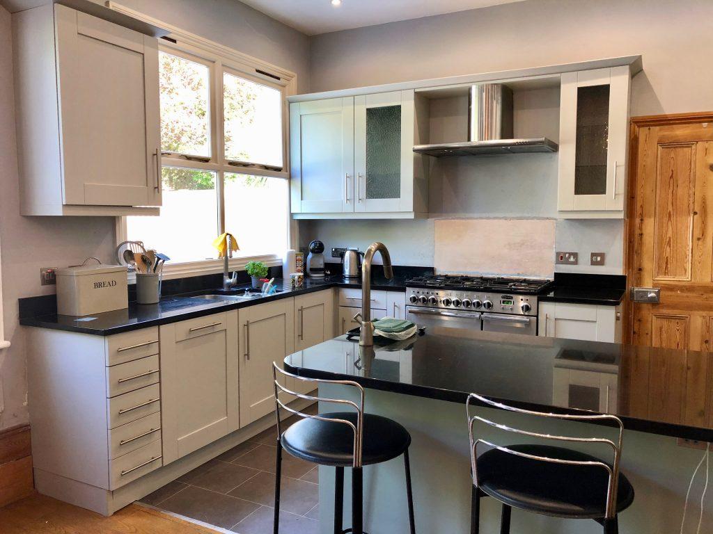 Oak painted kitchen Twickenham